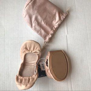 NEW GAP City Flats Blush Nude Pink size 7.5 shoe